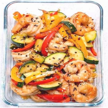 Super-Easy Shrimp Stir-Fry This delicious Meal Prep Recipes is a hunger keeper! Yum! | Meal Prep Re