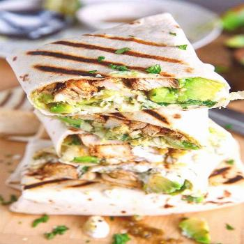 This Chicken Avocado Burrito recipe makes for the perfect meal prep lunch.